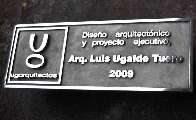 Placa en aluminio fundido acabado brillante letras - Placa de aluminio ...